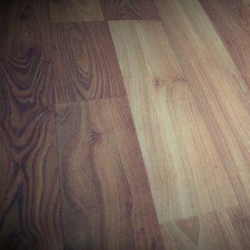 Laminated Flooring 05 TinyPNG