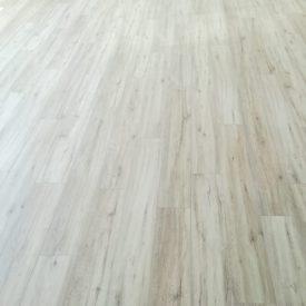 Laminated Flooring 18 TinyPNG