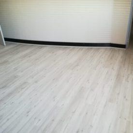 Laminated Flooring 22 TinyPNG